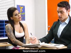 Slutty high school bruntte babe is seducing her teacher