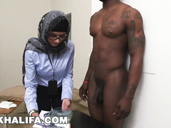 Dirty Muslim chick with glasses Mia Khalifa is measuring black and white dicks